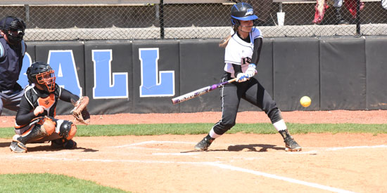 Andrea Whelan had five RBIs in the doubleheader sweep