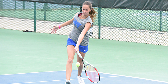 Henar Munoz captured her doubles point and the lone singles point for the Blue Raiders on Friday