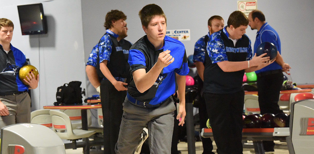 Photo for Men's Bowling finishes day one of NAIA Invitational in 18th place
