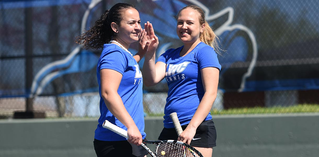 Photo for Women's Tennis shuts out SCAD Atlanta