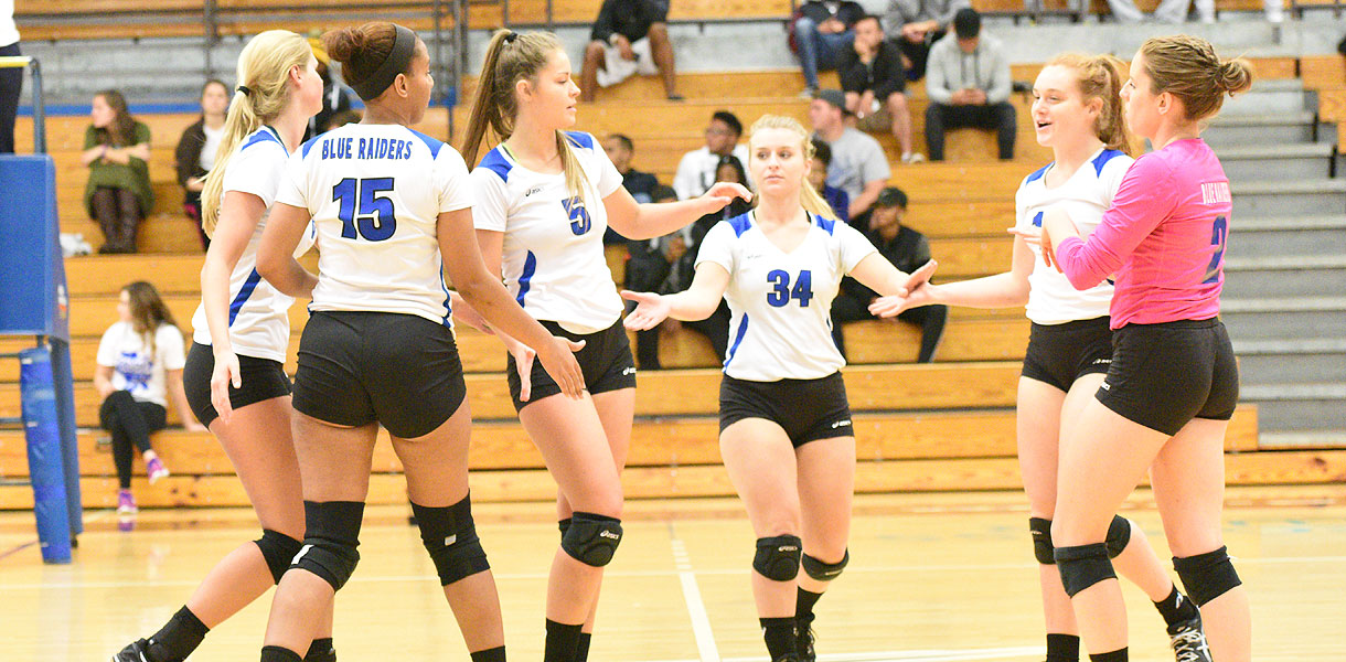 Photo for No. 5 Volleyball defeats Bryan 3-0