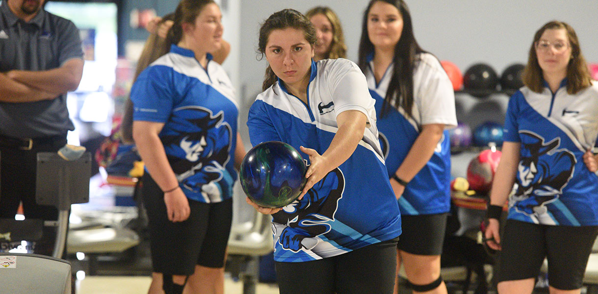 Photo for Women's Bowling finish third at the Ball State Baker Tournament