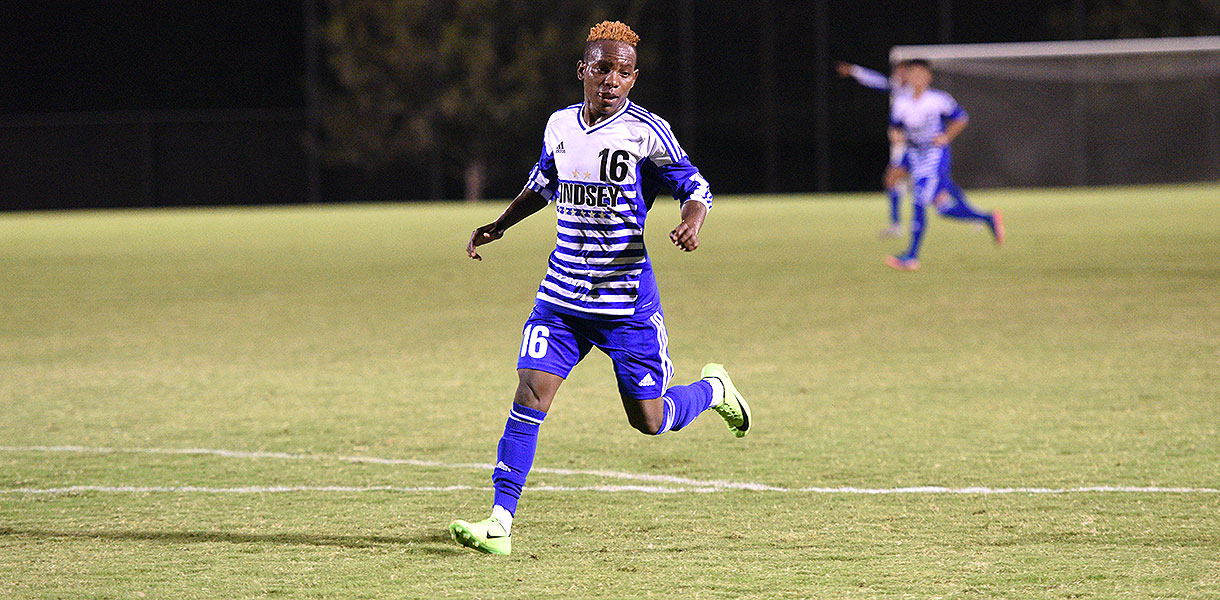 Photo for Men's Soccer tops Life on the road, 3-1